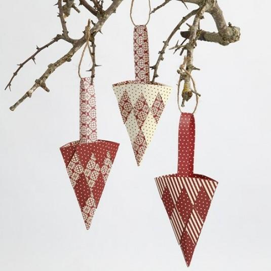 Danish Christmas Trees: Danish Woven Paper Christmas Tree Cone Kit By Vivi Gade