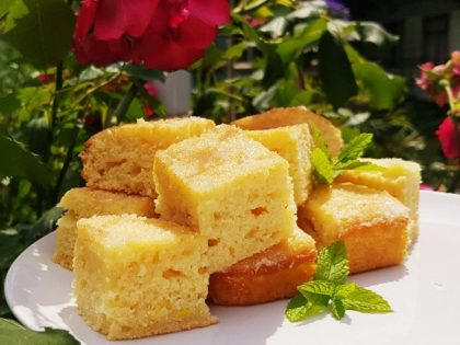 Lazy yoghurt cake with lemon drizzle topping