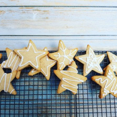 spiced scandinavian ginger cinammon biscuits christmas