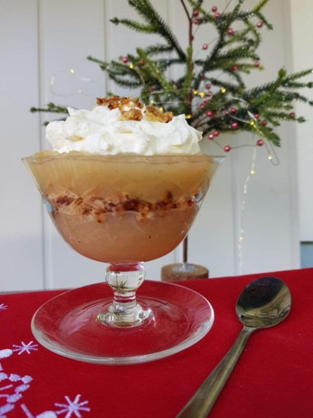 danish layered apple trifle cake aeblekage