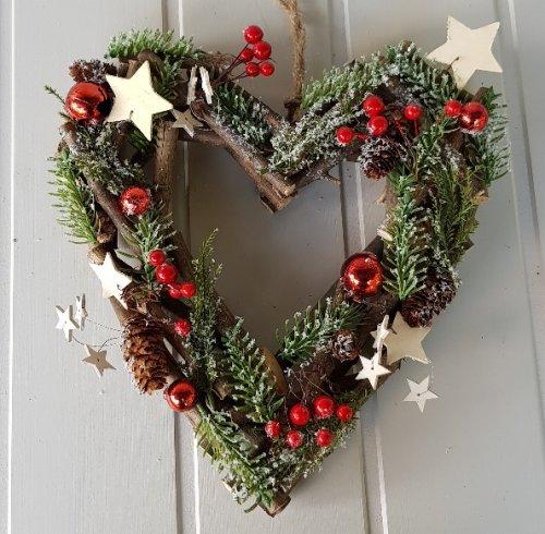Christmas Heart Wreath.Red Berry And Wooden Stars Woodland Heart Door Wreath