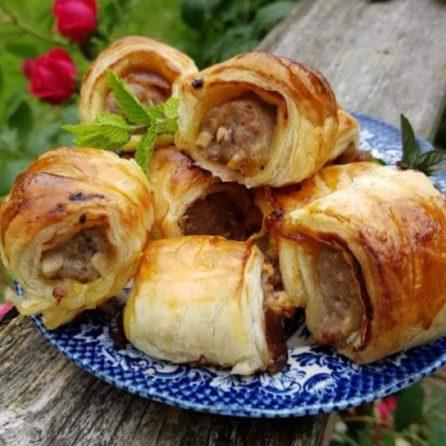 easy caramelised onion sausage rolls