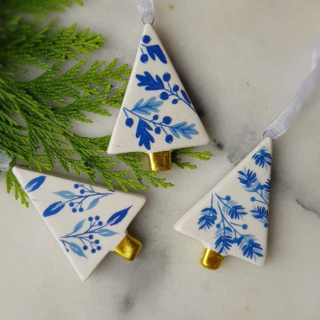 Ceramic Christmas Tree Decorations.Set Of 3 Blue And White Ceramic Trees Christmas Decorations By Gisela Graham