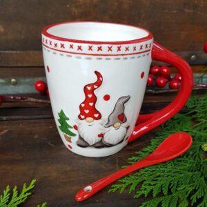 Christmas tableware, runners and napkins