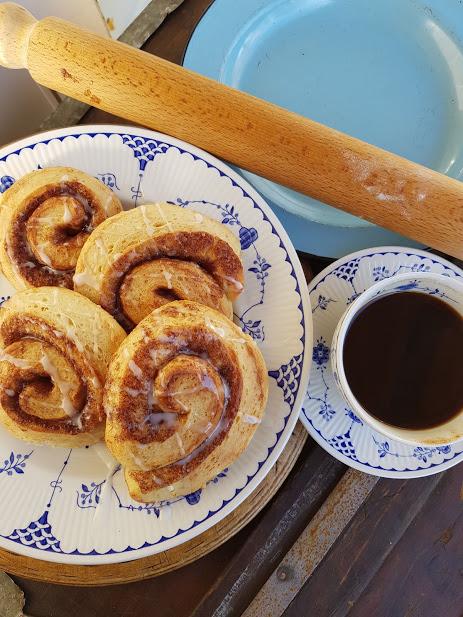 make ahead cinnamon christmas scandinavian cinnamon buns